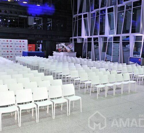 wynajem bialych krzesel eventowych MAYA