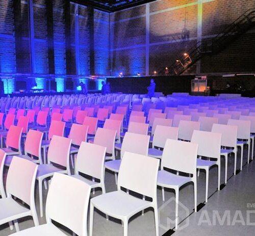 wynajem bialych krzesel eventowych MAYA na imprezy, wynajem na wesela, konferencje