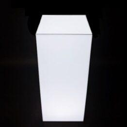 wynajem mebli eventowych wypozyczalna kolumny cube led
